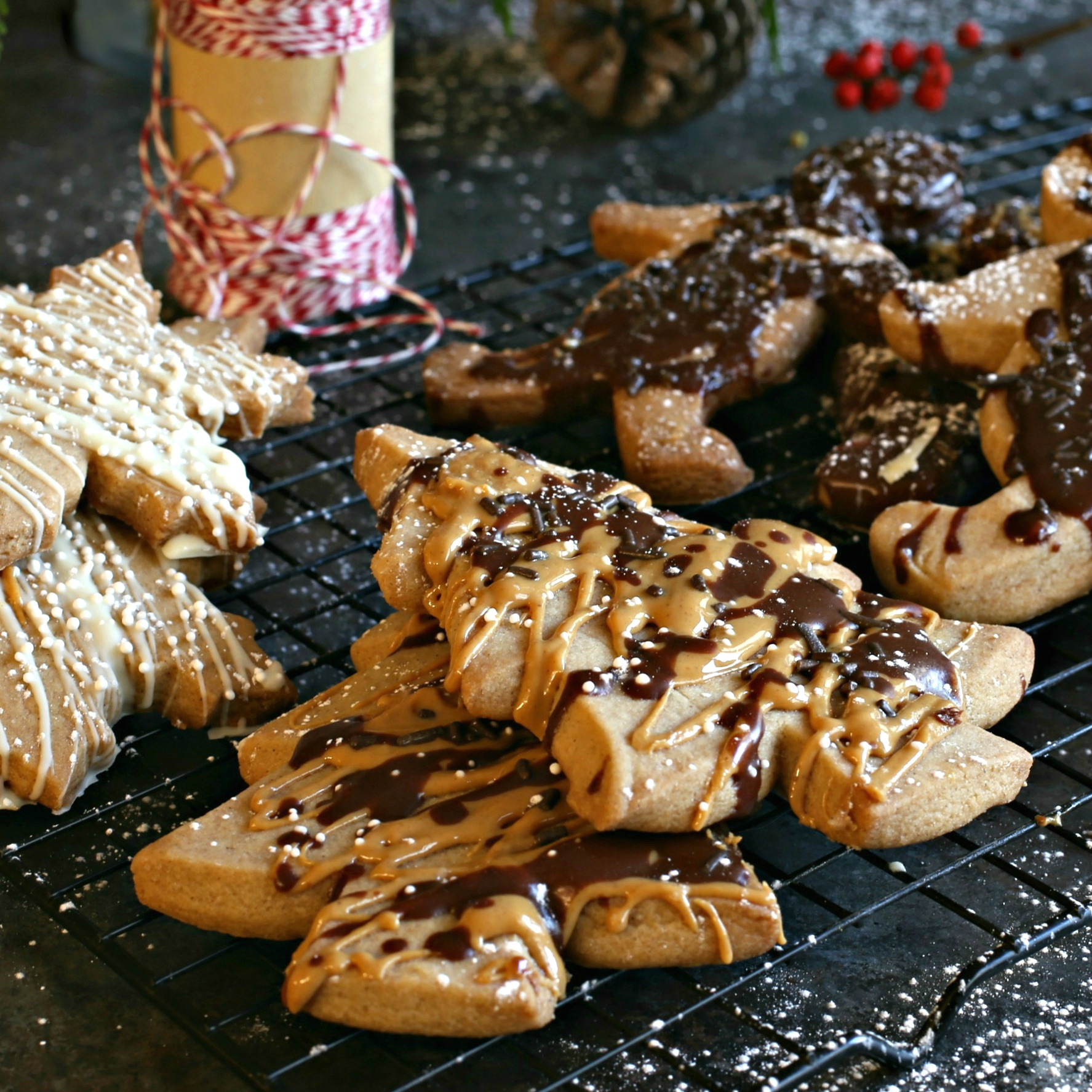 Recipe for shortbread cookies flavored with molasses, ginger, cinnamon and brown sugar.