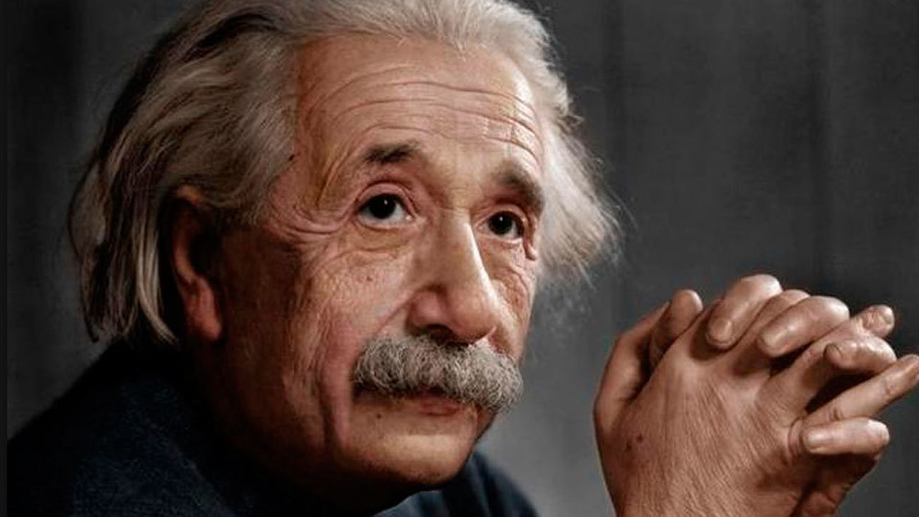 Dibalik Nama Besar Albert Einstein: Dari Politik, Asmara, hingga Matematika