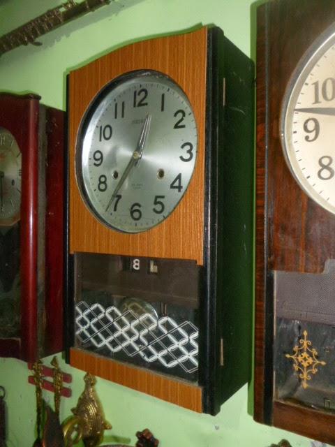 Jam dinding bandul antik merk Seiko 30 Day lubang dua with day   date. Made  in Japan wal `70 an. Kondisi mulus terawat. Bunyi setiap setengah jam dan  setiap ... 02cc632634