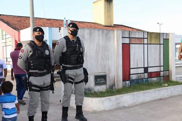 Polícia Militar conduziu 24 candidatos a delegacias e apreendeu mais R$ 100 mil que seriam usados para compra de votos na Paraíba