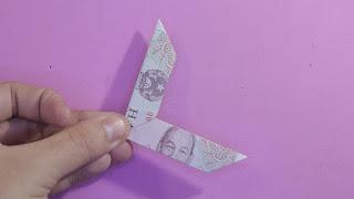 Hướng dẫn cách gấp boomerang bằng tiền giấy