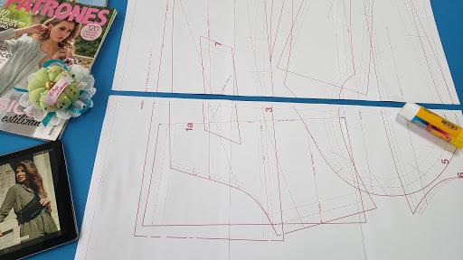 Arma grupos de 3 y luego pega cada grupo para completar el pliego del molde de costura