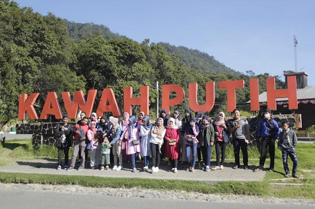 Jadi Baru Kebumen 2018 Tour To Bandung, Best Momen- keluarga besar jadi baru kebumen di kawah putih bandung 1