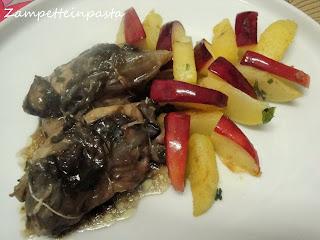 Fagottini di pollo farciti al radicchio di Treviso con patate e mele