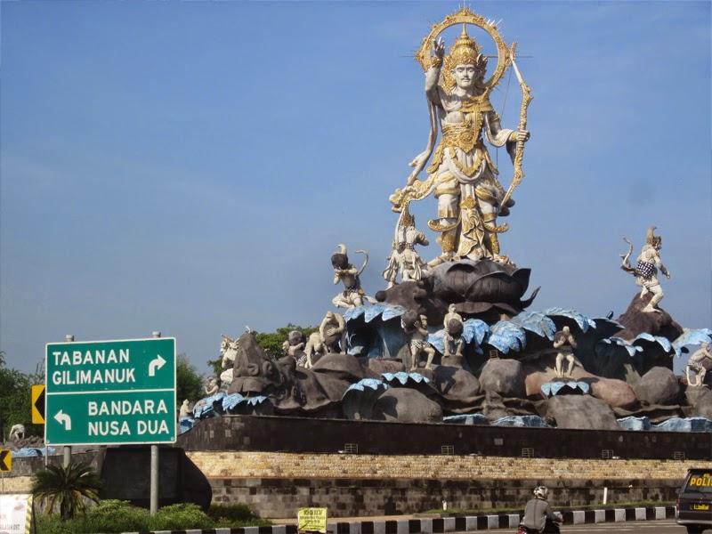 Tempat Wisata Patung Titi Banda Denpasar