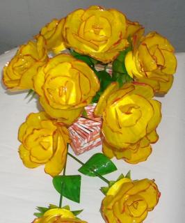 ramo-flores-botellas-recicladas