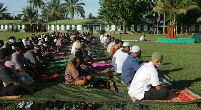 Di Hari Yang Fitri, Dandim Aceh Barat Sholat ld Bersama Prajurit