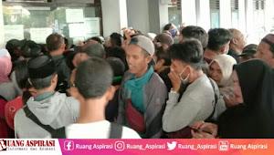 Arus Mudik di Pelabuhan Jangkar Situbondo Semakin Meningkat, Petugas Tambah Jadwal Operasional Kapal Fery