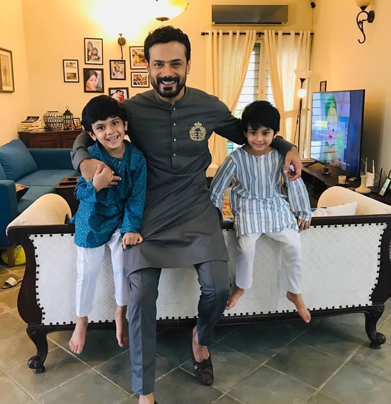 Zahid Ahmed with his Wife and Kids | Gorgeous Pictures