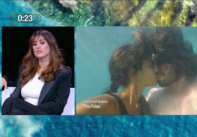 Cecilia Rodriguez Ignazio Moser prova bacio in apnea con Francesca Lodo isola dei Famosi