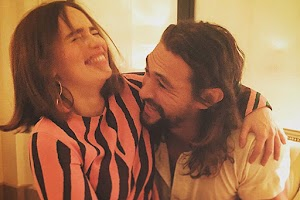 "Outside of the ""game of Thrones"": Emilia Clarke and Jason Momoa met in Paris"