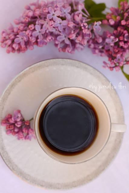 vintage coffe cup lilac flower ceasca de cafea si liliac mov