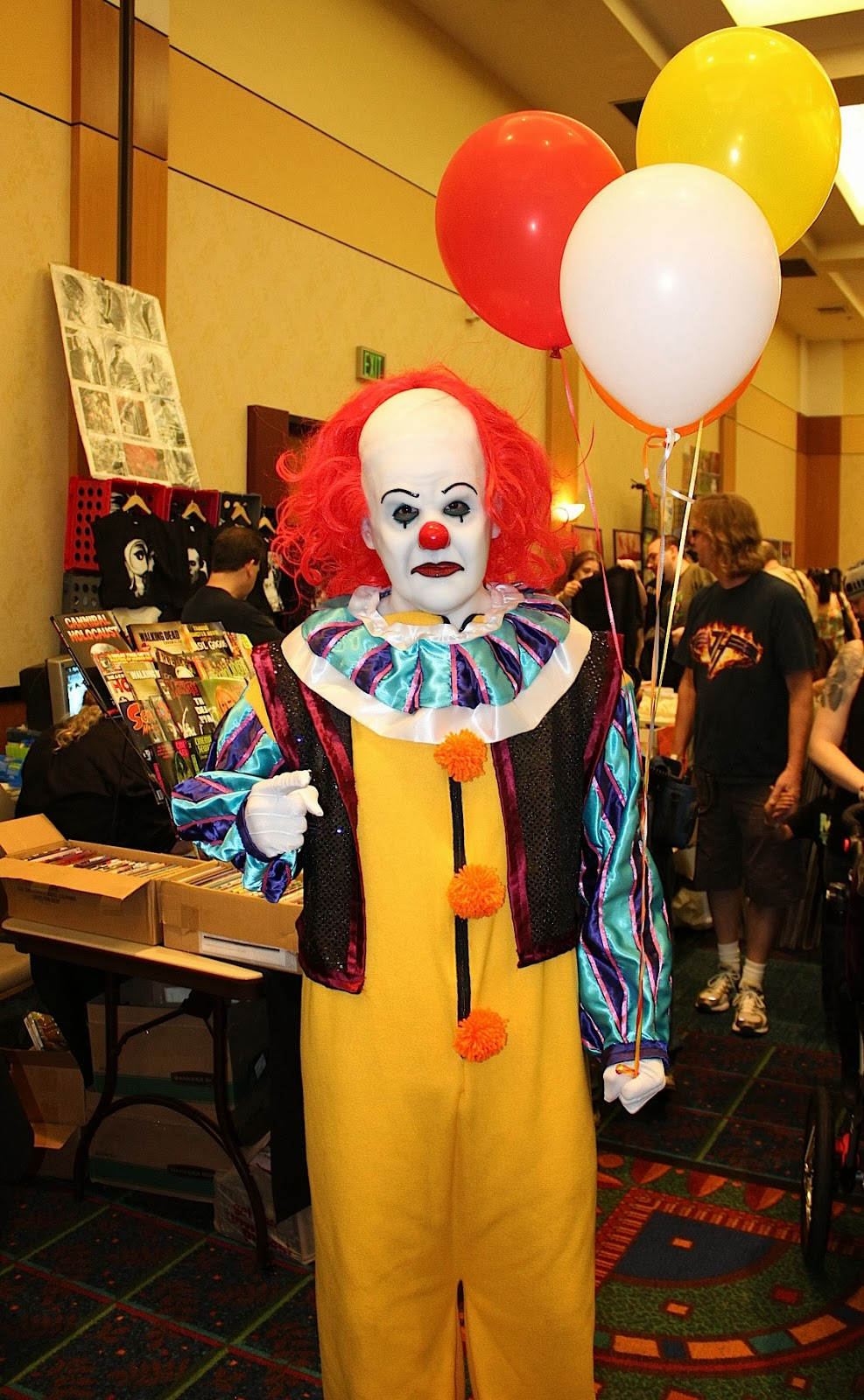 Pennywise the Clown Michael Jackson Thriller Video Dance