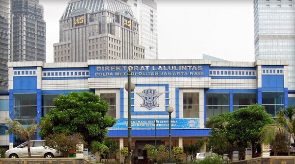 Cara Naik Kereta KRL Commuter Line ke Polda Metro Jaya