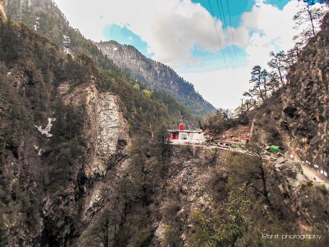 Yamuna river Yamunotri Temple Hot water spring saptrishi kund chaar dhaam jankichatti solo self supported backpacking Rohit kalyana himalayan womb himayalanwomb.blogspot.com Hindi Bloging
