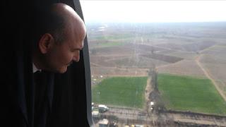 بالفيديو: وزير الداخلية التركي يتفقد حدود بلاده مع اليونان