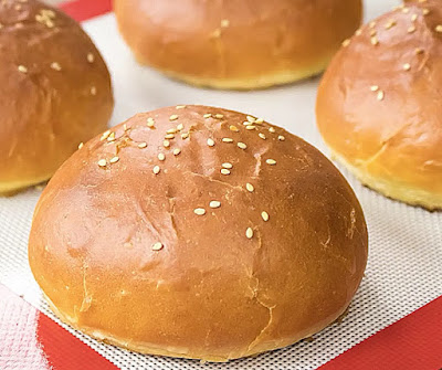 How to make burger buns at home