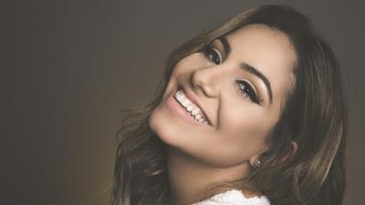 """Gabriela Rocha lança versão de """"You Say"""" de Lauren Daigle, tema do Filme: Mais que Vencedores"""