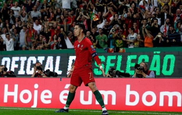 Football: Cristiano Ronaldo a inscrit le 700e but de sa carrière (Vidéo)