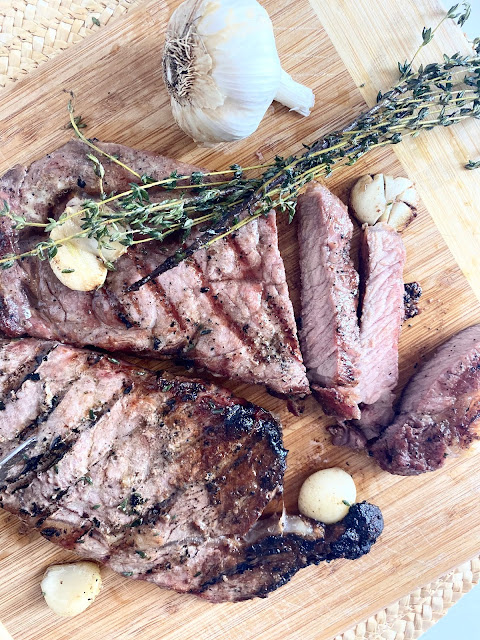 Garlic & Thyme Butter Steaks #ad #unitedwesteak #iowabeef