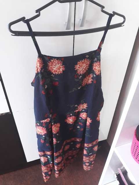 https://www.zaful.com/cami-floral-summer-dress-p_280200.html?lkid=21130
