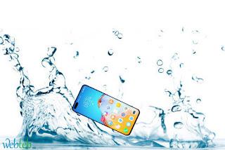 نصائح لإنقاذ الهاتف  في حال سقوطه في الماء
