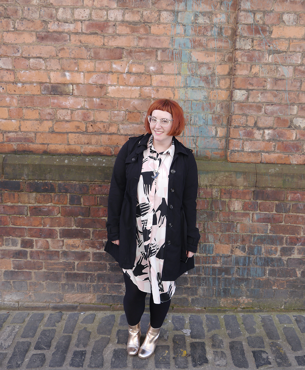 what Helen wore, ootd, Scottish blogger, Dundee blogger, blogging duo, Scottish street style, Glasgow street style, Monki shirt dress, Monki hand print dress, #monkistyle, internet shopping, online shoppin tips, shoppin online, how to shop online, Karen Mabon cat necklace, Karen Mabon jewellery, gold boots, easy to wear fashion, easy outfit, red head, micro fringe, ginger bob, Spex Pistols