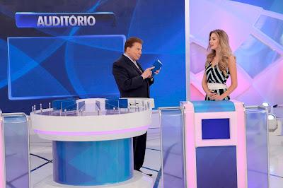 Silvio Santos e Miss Marthina - Crédito: Lourival Ribeiro/SBT
