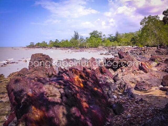 Batu tanah merah bangka tengah