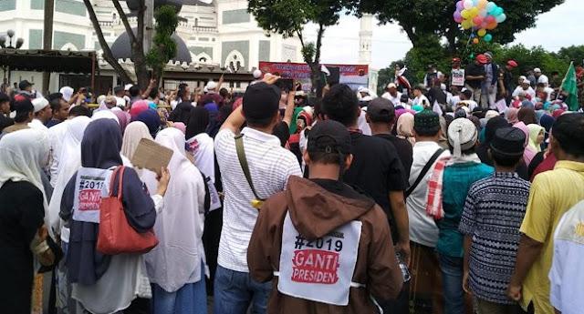 Ribuan Orang Pendukung #2019GantiPresiden Tumpah Di Medan