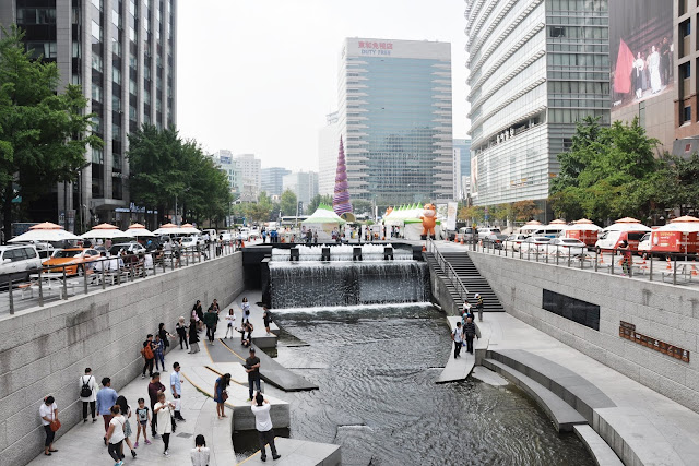 Cheonggyecheon Stream (청계천) & Cheonggye Plaza (청계광장)