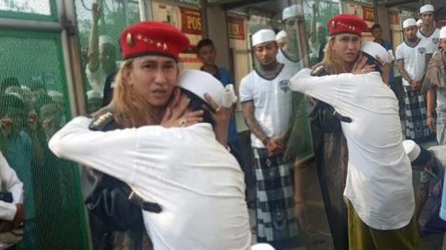 Petcahh, Diiringi Tangis Haru Para Napi, Video Detik-detik Habib Bahar Bebas, Disambut Pendukung