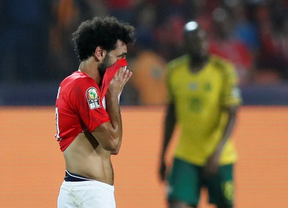 خروج المنتخب المصري مبكراً من كأس امم افريقيا بخسارة المنتخب المصري من جنوب افريقيا