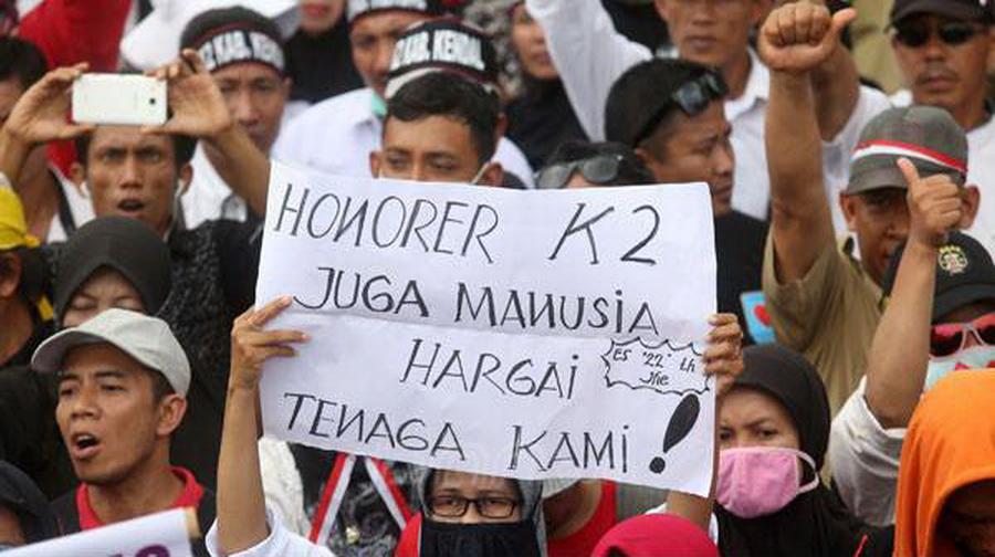Benarkah Pemerintah Saat Ini Tak Berniat Menuntaskan Honorer K2?