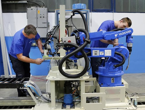 Hivatalosan is megnyitotta iparirobot-gyártó gyárát Szlovéniában a Yaskawa