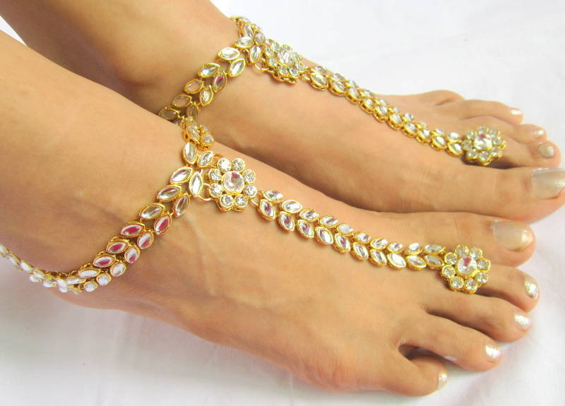 7 Different Types of Toe Rings in India