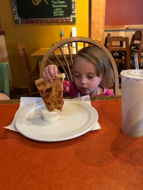 toddlers love pizza