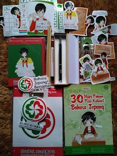 Merchandise Bahasa Jepang Bersama