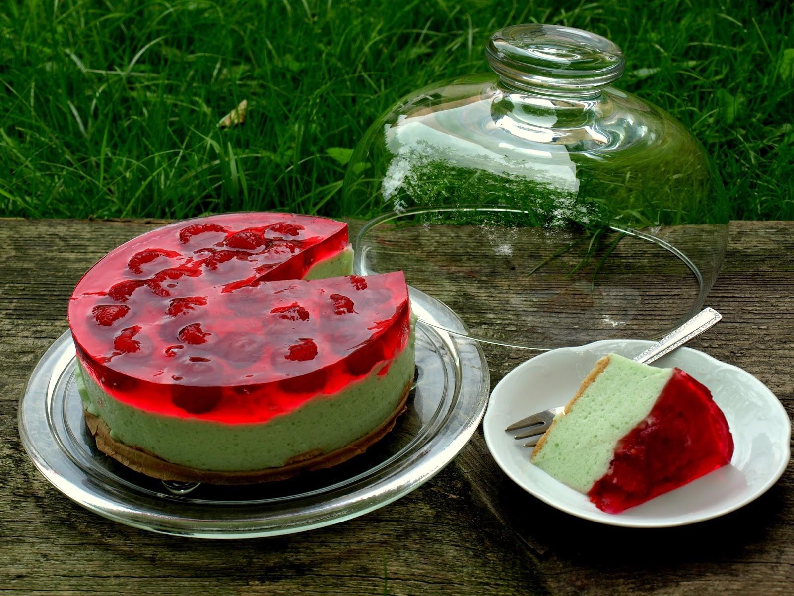 Idealne ciasto na lato- ptasie mleczko z owocami
