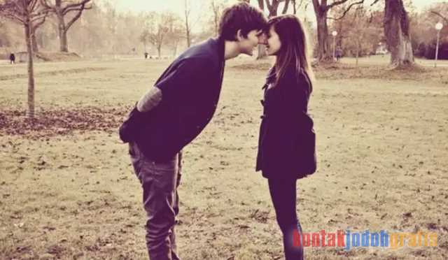 Cintai pasangan kamu sedalam mungkin