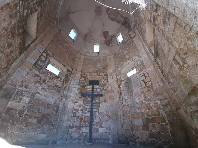 ruínas de igreja no Forte de São João da Foz