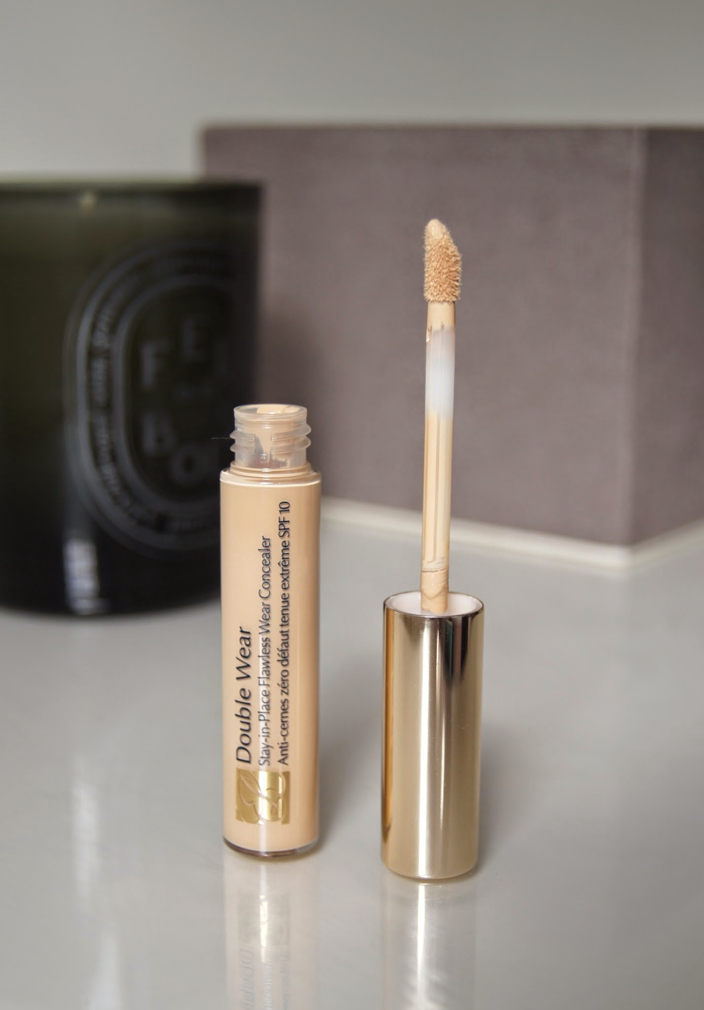 estee lauder double wear stay in place flawless wear concealer review swatch