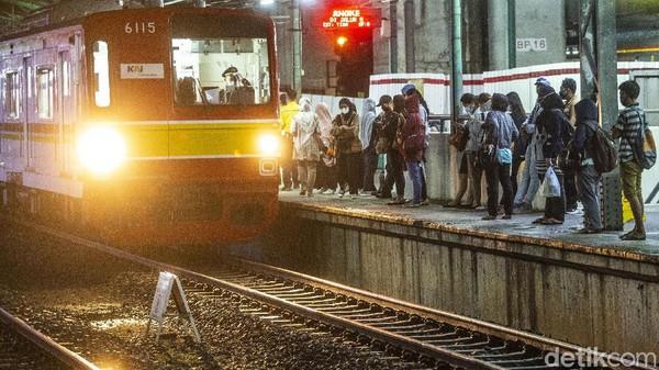 Admin KAI Commuter Ngegas Tanggapi Pelecehan, Korban Ungkap Kejadian