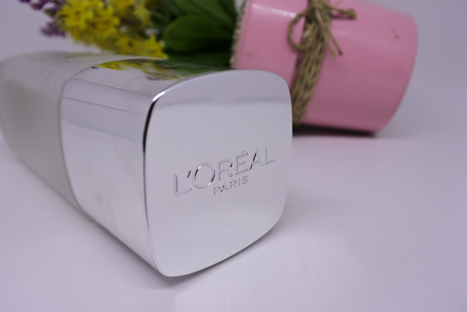 Review L'oreal Paris Revitalift Crystal Micro Essence
