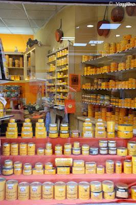 Uno dei tanti negozi che vendono Foie Gras e Terrine a Sarlat la Caneda