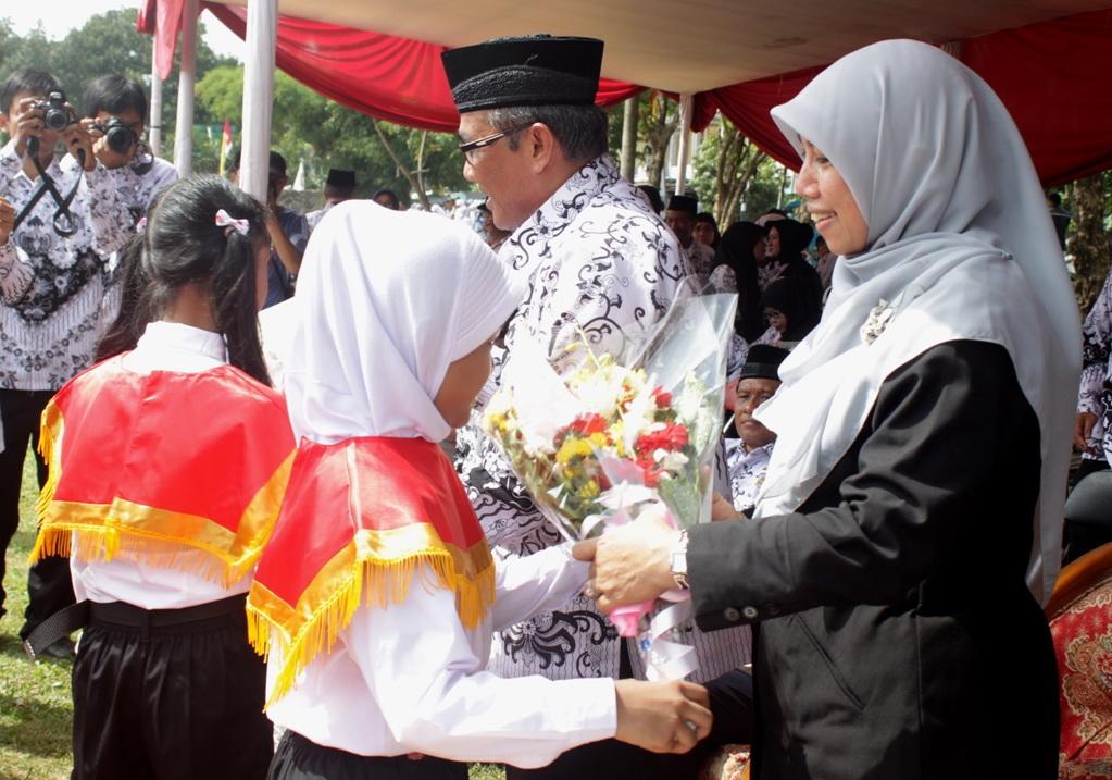 Kumpulan Puisi Hari Guru Nasional (HGN) 25 November