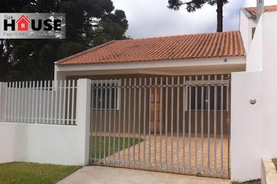 Linda casa com 71m² de área útil, duas vagas de garagem, excelente acabamento, 03 quartos e 01 banheiro