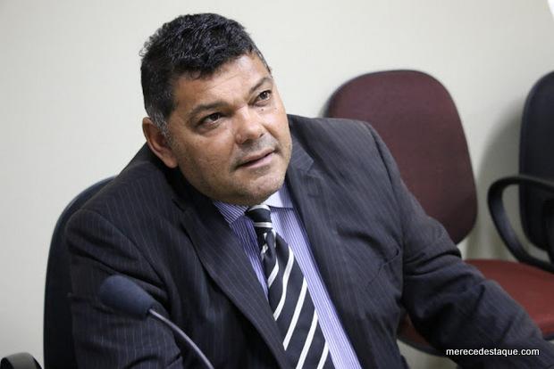 Toinho do Pará renuncia a liderança da bancada governista na Câmara de Santa Cruz