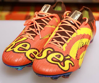 "396860f9468 ... is proud to wear his new cleats and said. ""It s a dream come true to  partner with Hershey. I literally feel as happy as a kid in a candy store."""