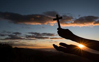 7 coisas que te afastam de Deus, coisas que nos afastam de Deus, o que nos afasta de Deus?, o que nos aproximam de Deus, atalaias de Deus.com.br, estudos biblicos, sobre estar afastado de Deus,
